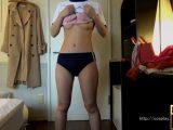 スタイル抜群の素人モデルに体操服&ブルマを着せて立ったまま、ひたすら手マンでくすぐる!